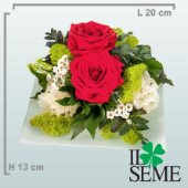 White plate arrangement with Stabilized roses